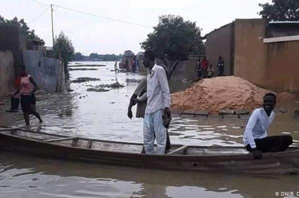 Tchad : les inondations bloquent l'accès aux écoles