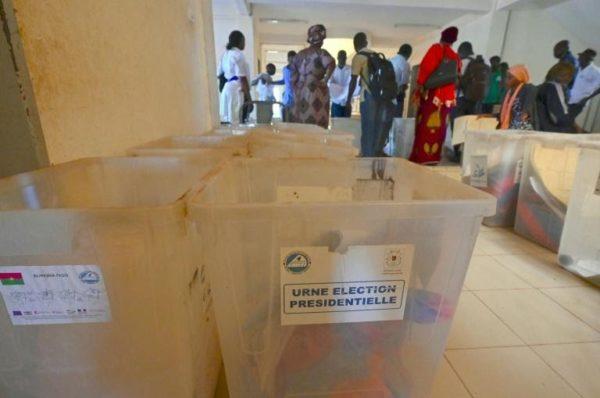 Présidentielle : les bureaux de vote ouvrent au Burkina Faso sous la menace jihadiste
