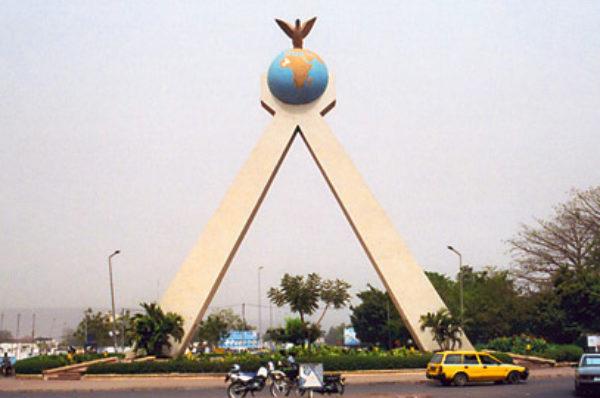 Mali: les partis politiques prennent position sur le calendrier de la transition