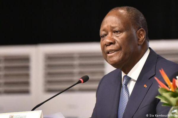 Ouattara prête serment, l'opposition muselée