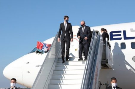 La délégation américano-israélienne conduite par le conseiller du président Donald Trump, Jared Kushner, et le conseiller à la sécurité nationale d'Israël, Meier Ben Shabbat, à son arrivée  à l'aéroport de Rabat-Salé ce 22 décembre.  La délégation américano-israélienne conduite par le conseiller du président Donald Trump, Jared Kushner, et le conseiller à la sécurité nationale d'Israël, Meier Ben Shabbat, à son arrivée  à l'aéroport de Rabat-Salé ce 22 décembre.  © MAP