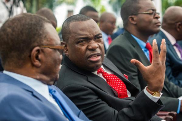 Au Zimbabwe, le sommet de l'Etat décimé par le Covid-19