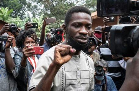 Le candidat de l'opposition à la présidentielle ougandaise Bobi Wine vient de voter à Magere le 14 janvier 2021 afp.com – Yasuyoshi Chiba