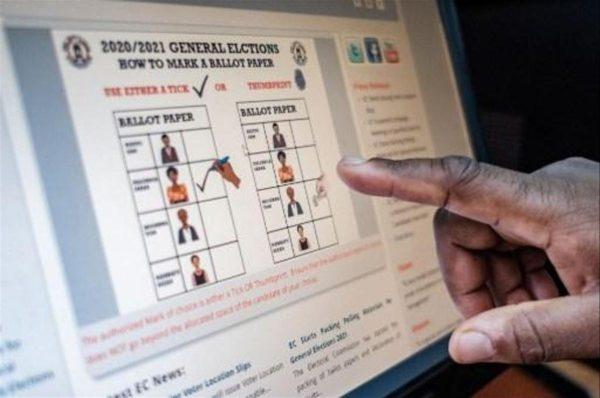 Les Ougandais aux urnes pour un duel présidentiel sous tension
