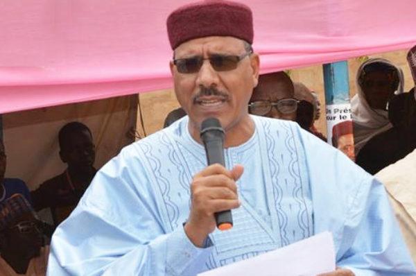 Présidentielle au Niger : Mohamed Bazoum favori face à l'opposant Mahamane Ousmane