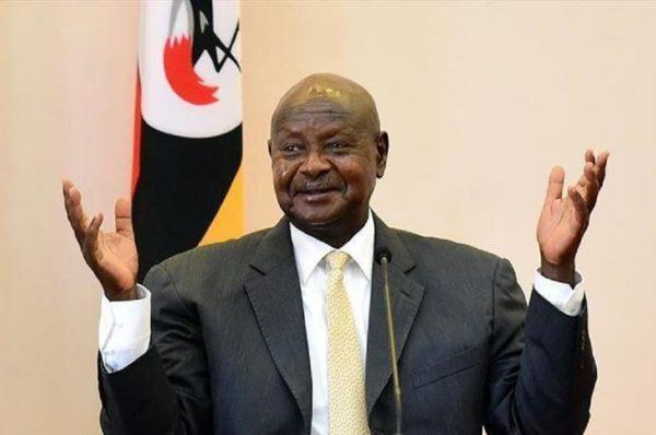 Ouganda : Yoweri Museveni réélu pour un sixième mandat ; son principal adversaire dénonce des fraudes