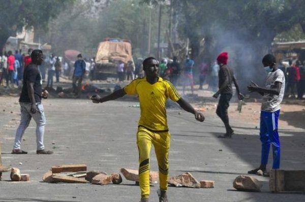 Présidentielle au Niger : des heurts éclatent, l'opposition clame sa victoire