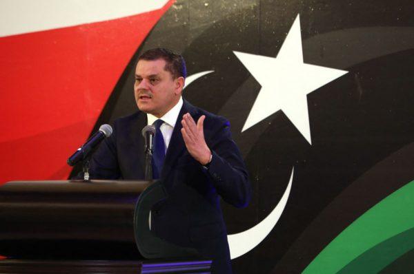 Le Premier ministre libyen par intérim repousse le Parlement dans un discours