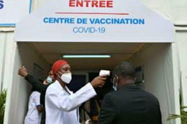 Covid-19 : en Côte d'Ivoire, le vaccin est un enjeu « capital » pour relancer le tourisme