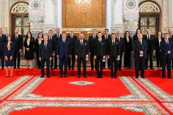 Maroc : un nouveau gouvernement de 19 ministres, dont 7 femmes et 7 ministres reconduits